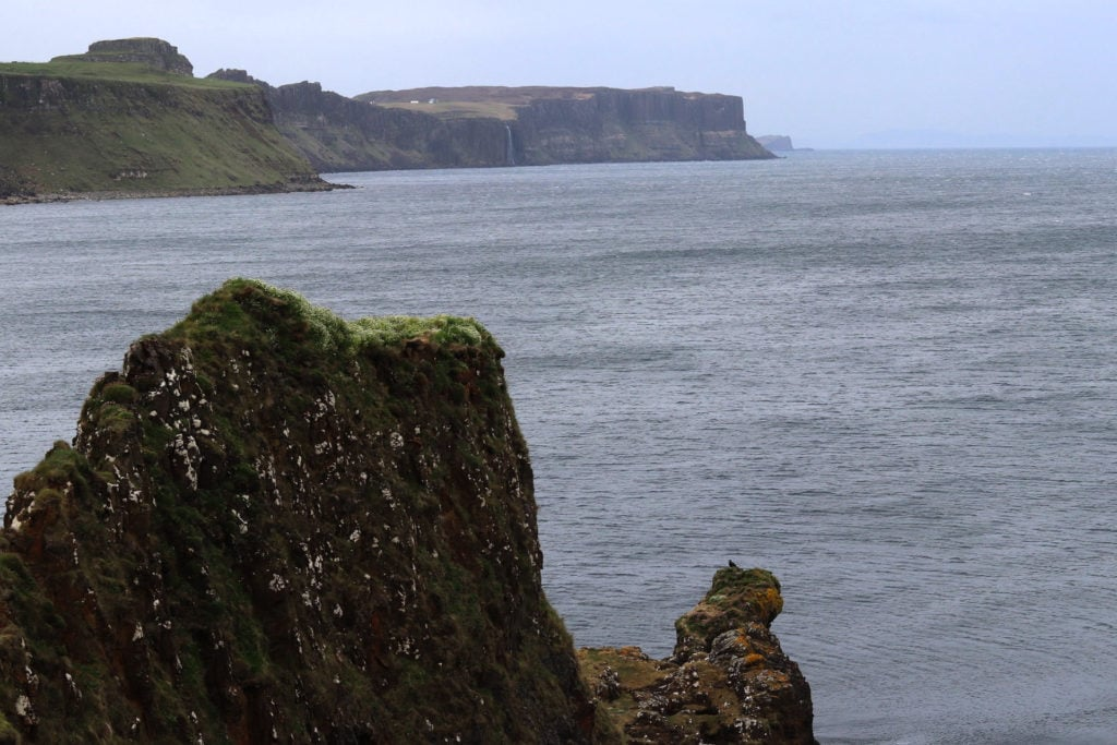 Vue sur le Kilt Rock depuis le Brother's Point